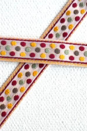 Punkti, Punkti, rot-gelb-grün auf offwhite, Webband