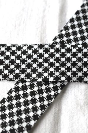 Schrägband, Karosternchen, schwarz