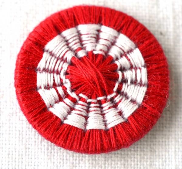 Zwirnknopf, rot