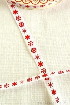 Schneekristalle, rot auf weiß, Ripsband schmal